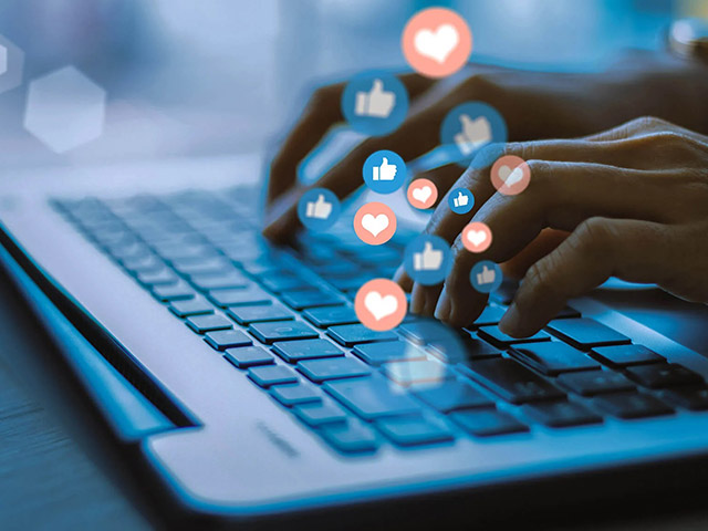 Social media marketing brings you more engagement and likes on your accounts.